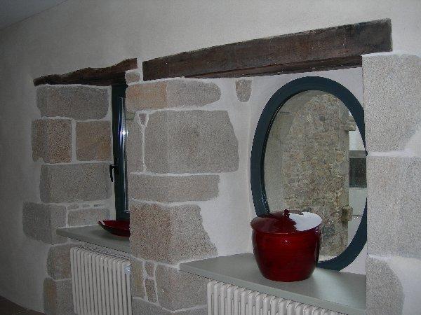Percement fenêtre, murs pierres et chaux