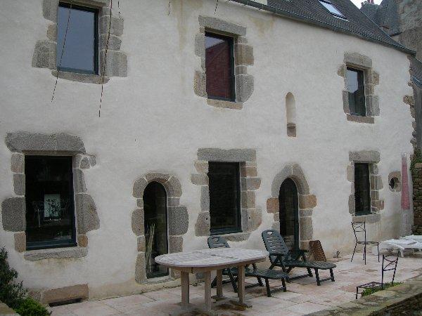 Jp ropars macon restauration ext rieure maisons pierre - Enduit exterieur a la chaux ...
